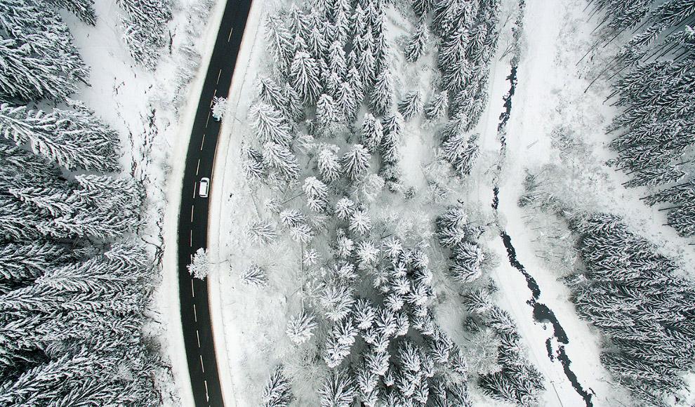 Снежные пейзажи в районе гор Гарц, Германия