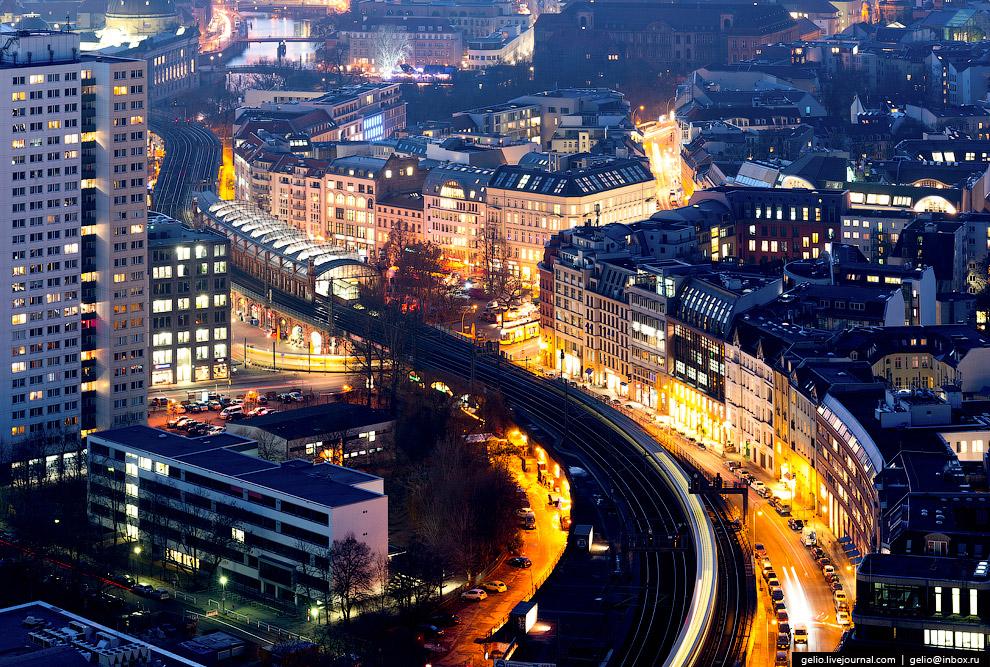 Линия S-Bahn — городская железная дорога, наземное метро.
