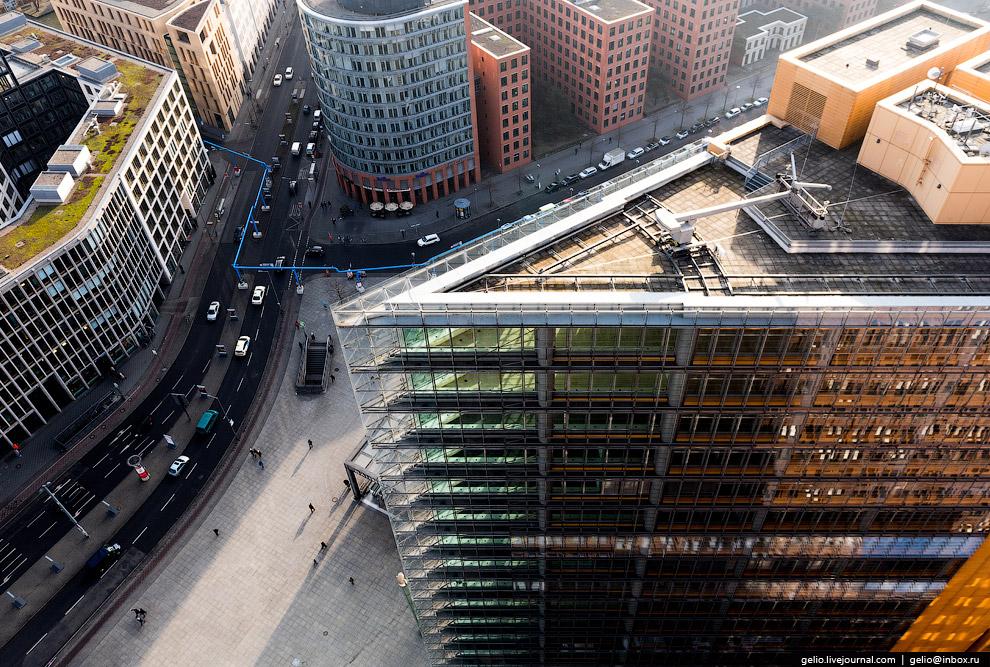 Здание берлинского офиса консалтинговой и аудит-компании PricewaterhouseCoopers.