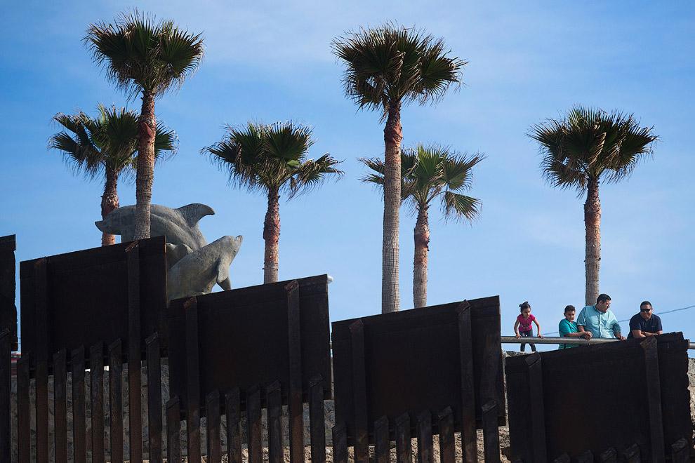 Тихуана, Мексика и стена на границе