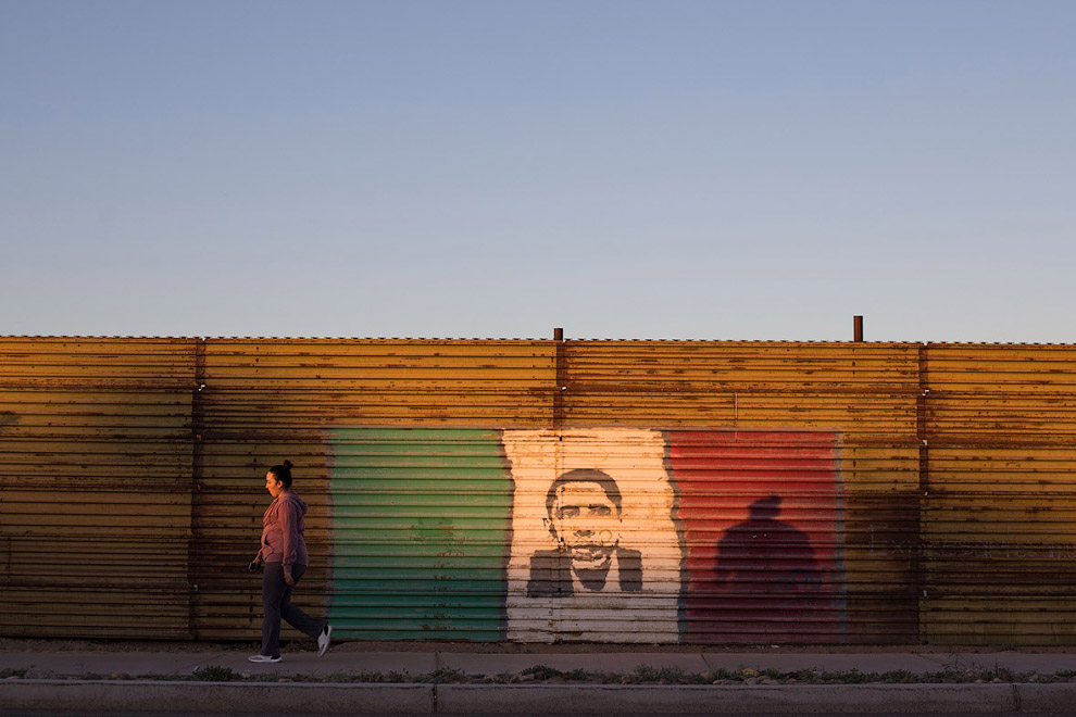 Стена на границе с Мексикой в районе города Сан-Луис-Рио-Колорадо