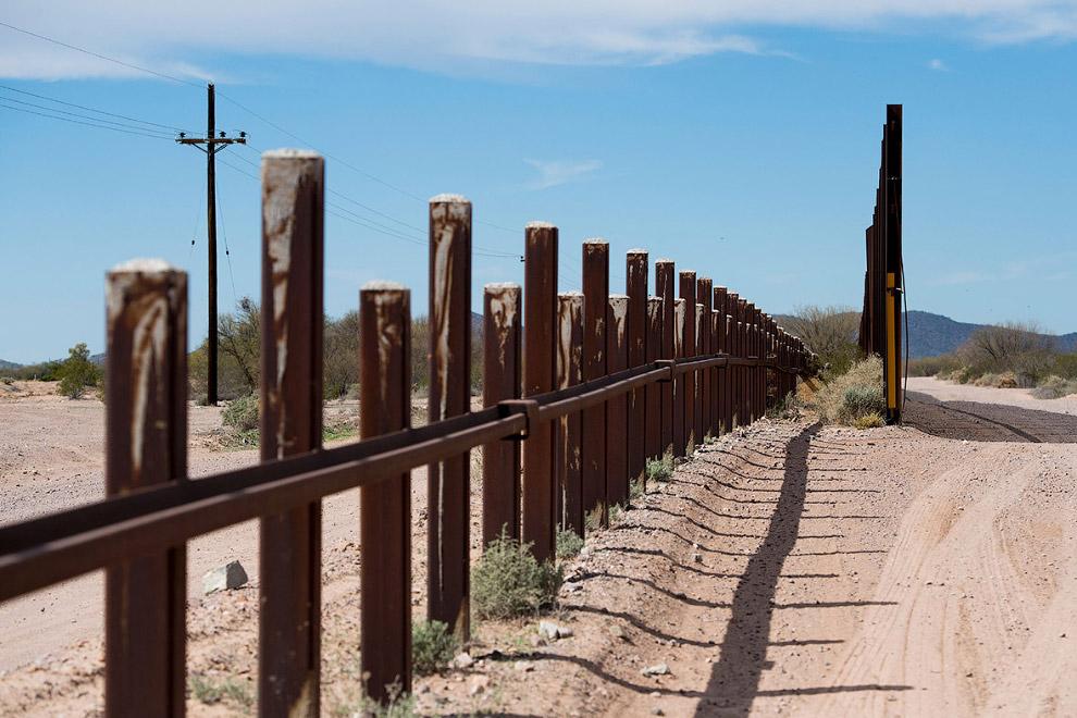 Несложное пограничное ограждение, штат Аризона