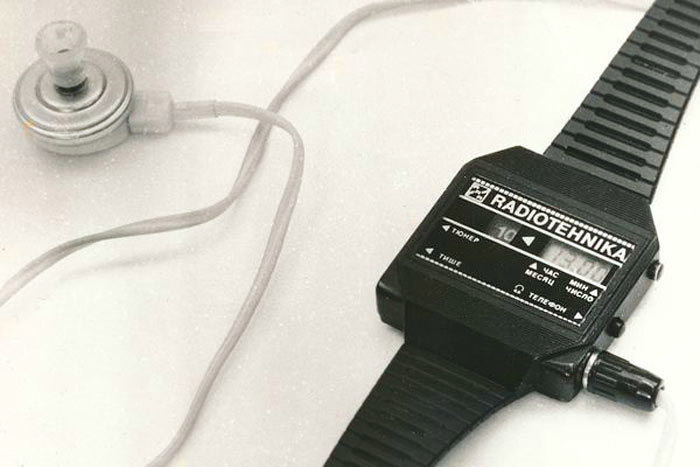 Наручные часы с радио