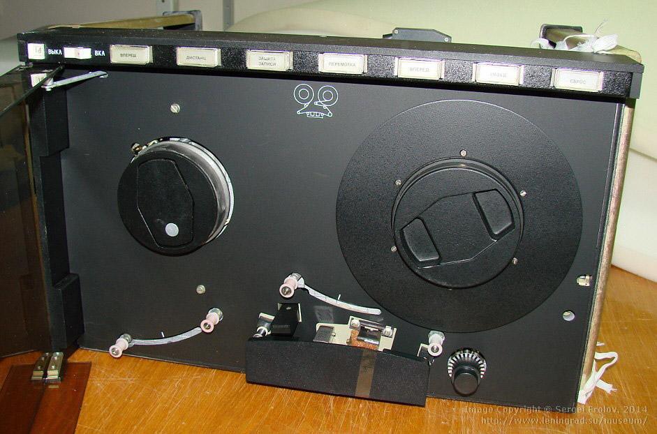 Советская флешка: СМ5300,01 — накопитель на магнитных дисках, 1983 год.