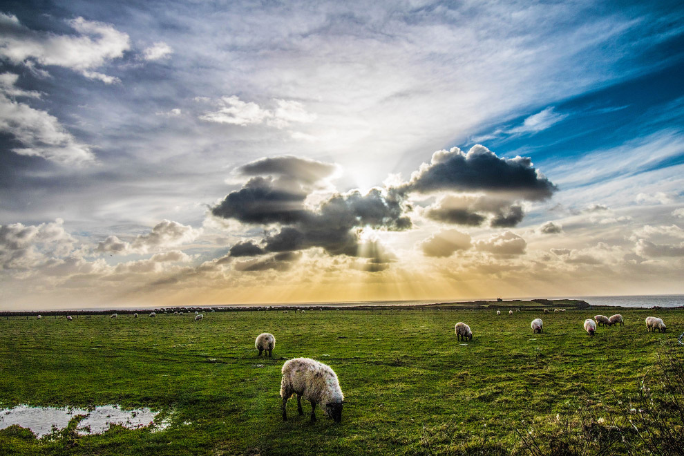 Свет сквозь облака