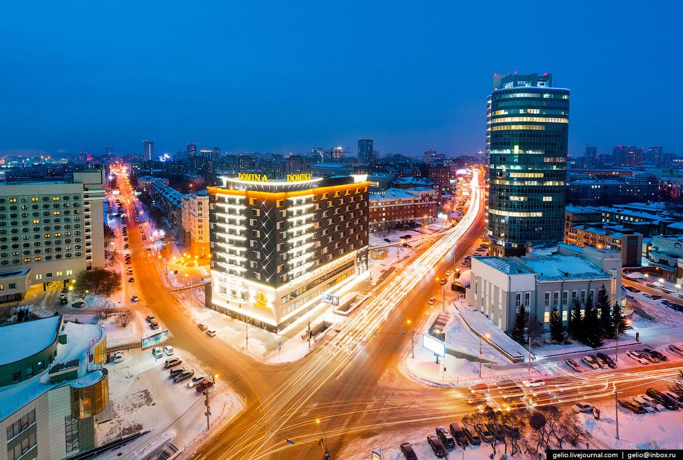 Пересечение проспекта Димитрова и улицы Ленина