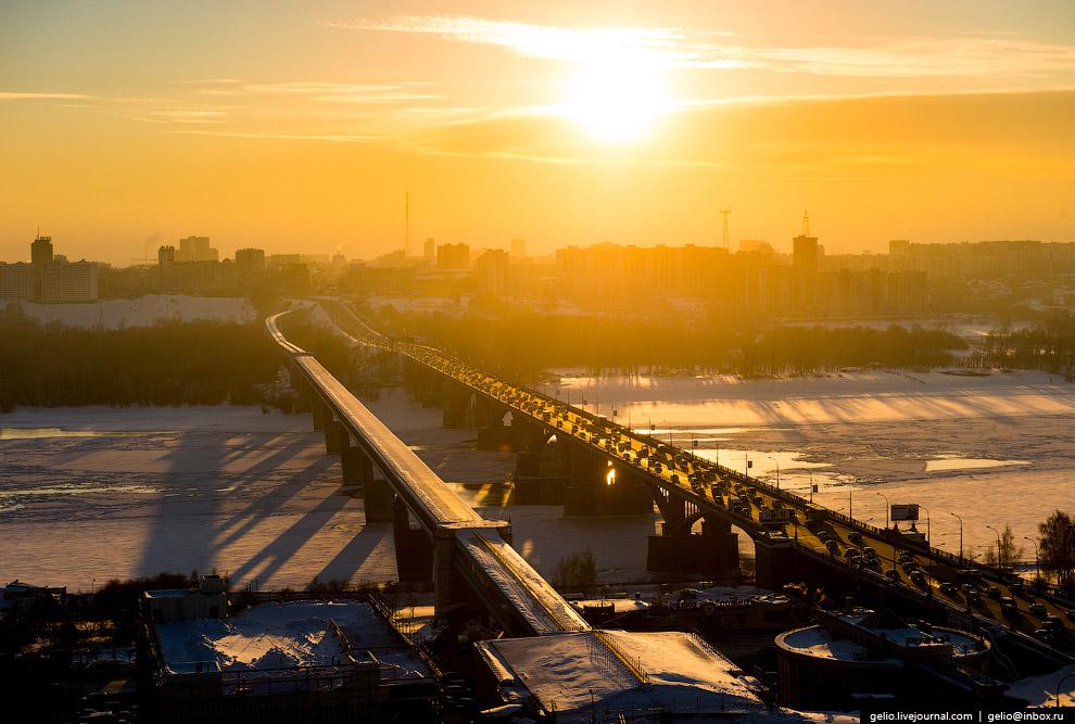 Октябрьский («коммунальный») мост и метромост.