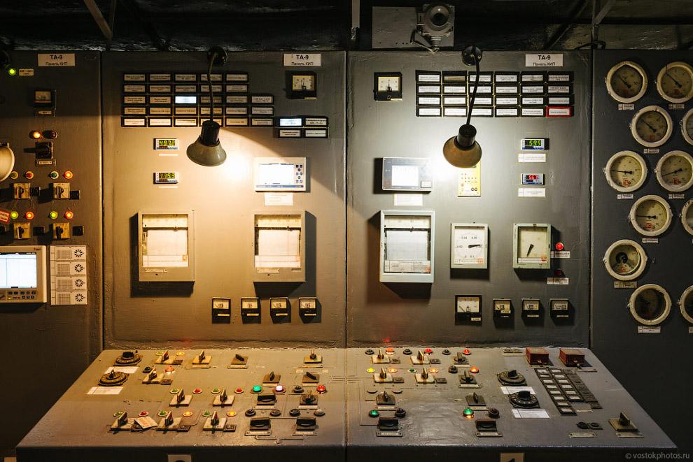 Панель управления ТГ-9 в турбинном цехе