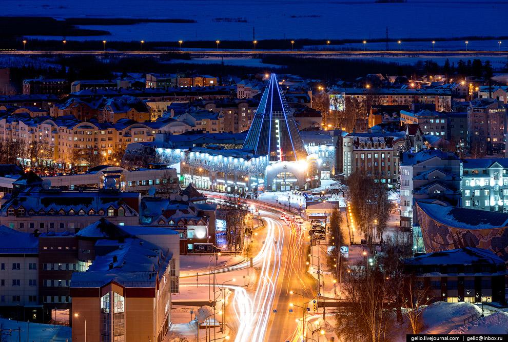 Торгово-деловой центр «Гостиный двор».