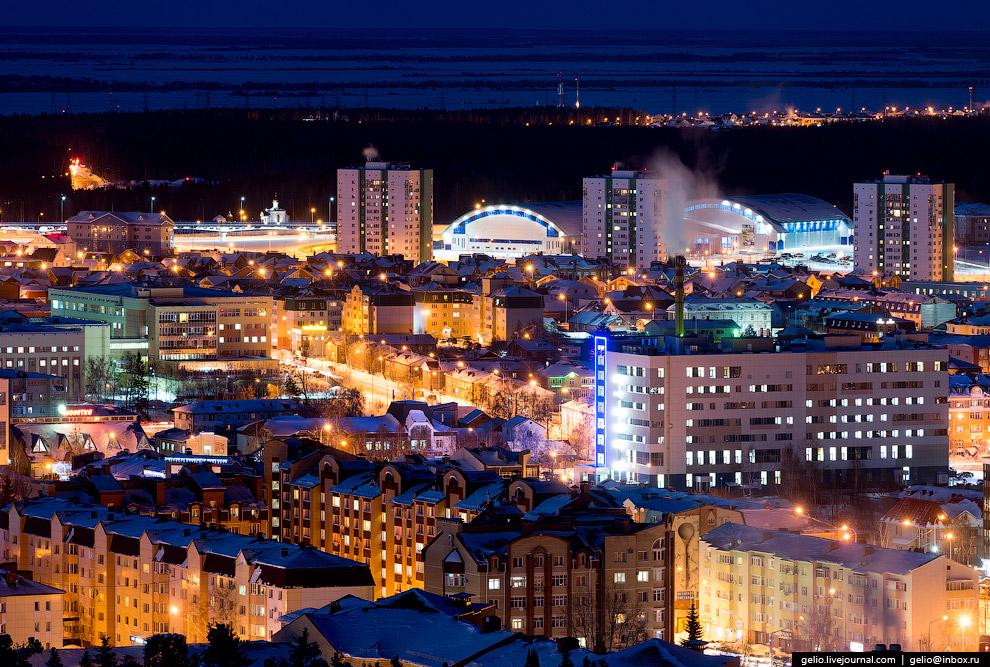 Ханты-Мансийск — один из самых освещённых городов России. Наружным освещением оборудовано 100% улиц города.