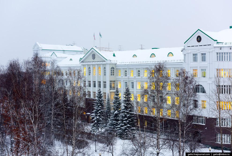 Здание правительства ХМАО-Югры.