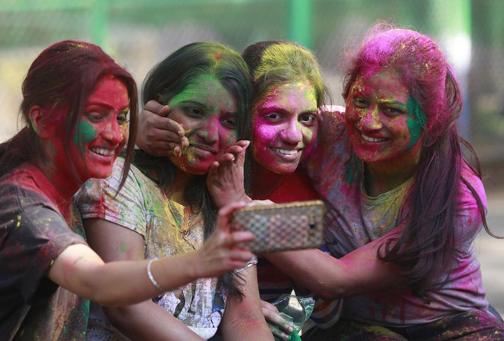 Холи в Мумбаи, Индия