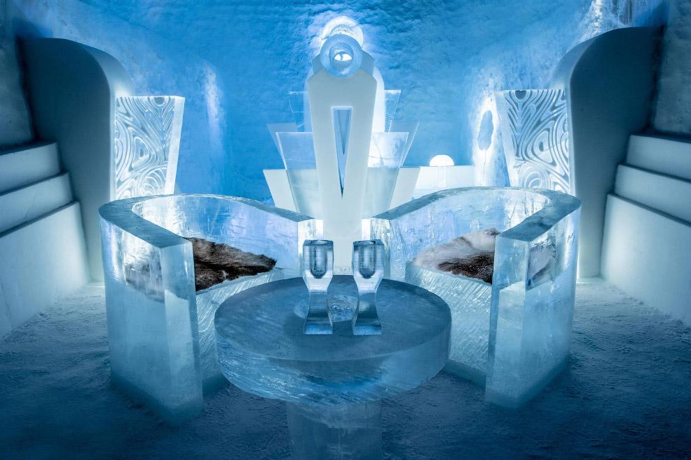 Роскошные ледяные кресла