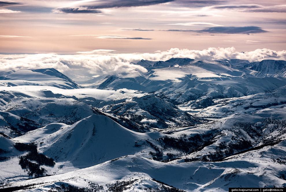 Загальна площа півострова Камчатка - 270 тисяч кв.  км.  Це можна порівняти з площею Нової Зеландії.