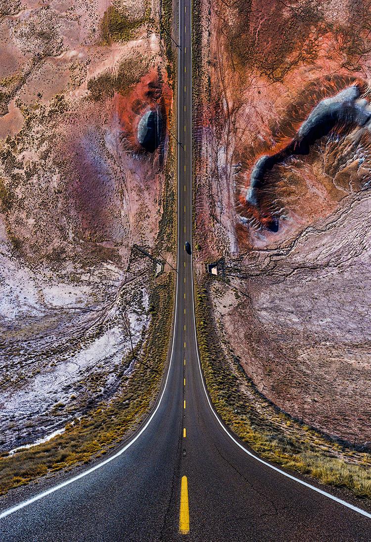 Шоссе и марсианские пейзажи
