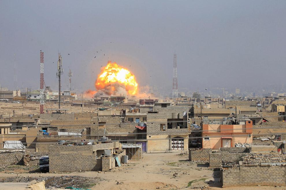 Авиаудар по жилой части Мосула, где предположительно действует ИГИЛ