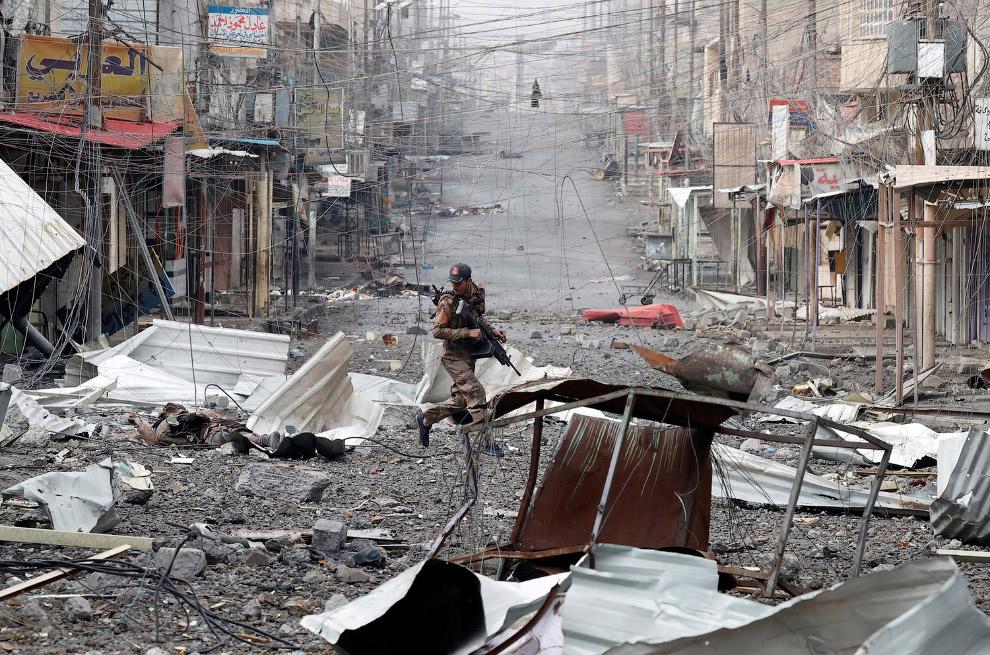 Иракский солдат. Так выглядят улицы Мосула