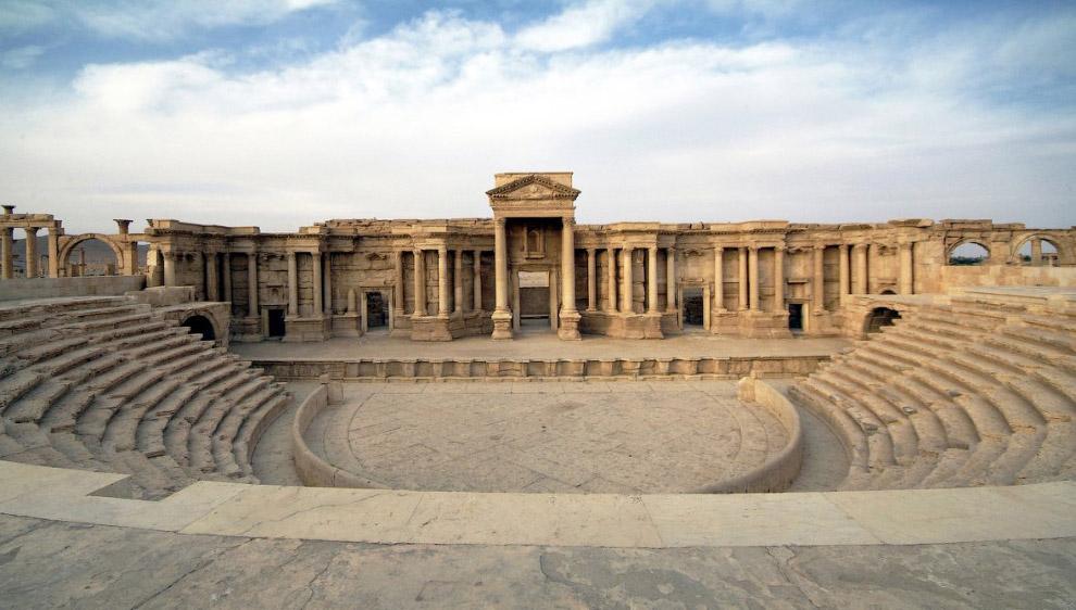 Для понимания: античный тетрапилон в Пальмире раньше
