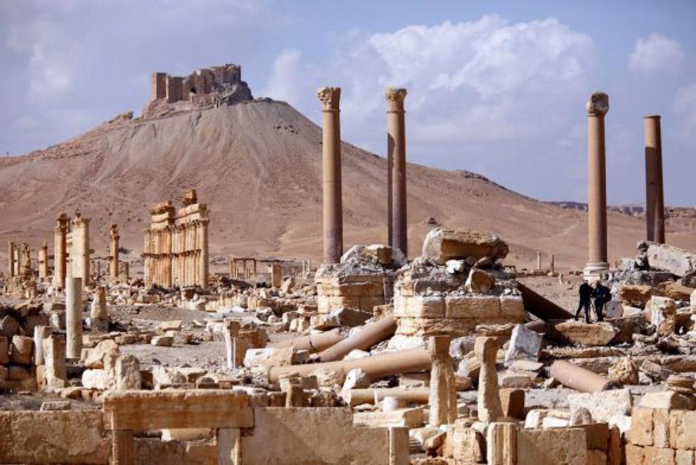 Колонный тетрапилона в Пальмире