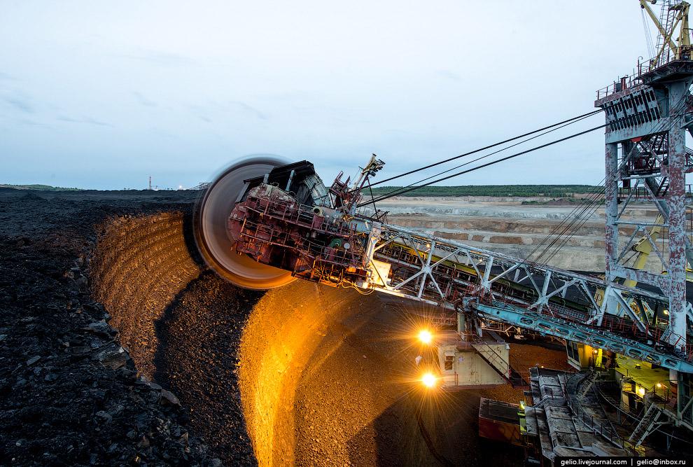 Ротор экскаватора ЭРШРД-5250 совершает более 40 оборотов в минуту.