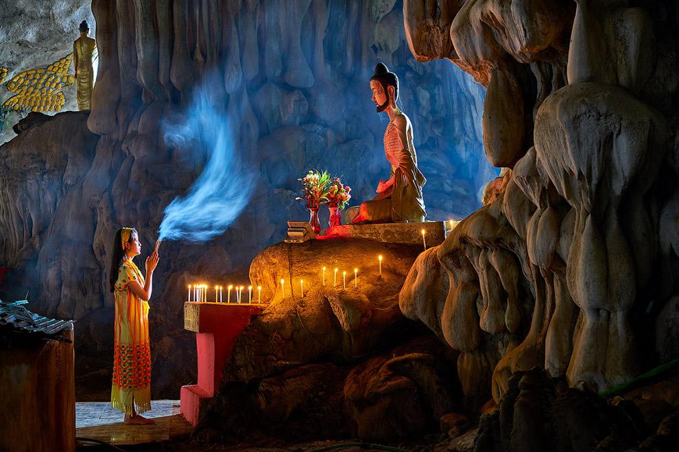 Мьянма: молитва