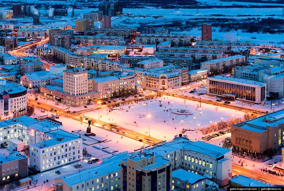 Площадь Ленина — центральная площадь Якутска