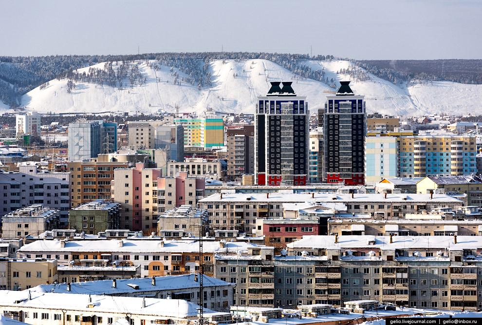 Строительный округ — один из 10 административных округов в составе Якутска.