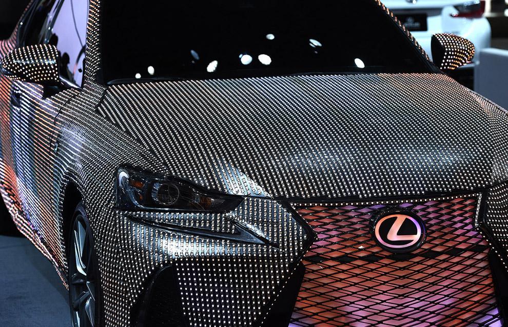 Новый Lexus IS 350 в необычном обличие