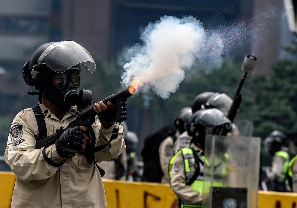 Протесты в Венесуэле «за 100 млн долларов»