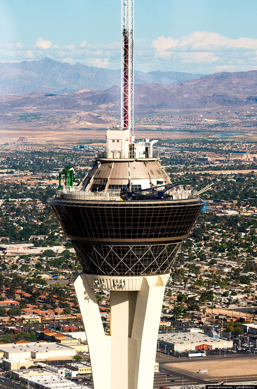 350-метровая башня комплекса «Стратосфера»
