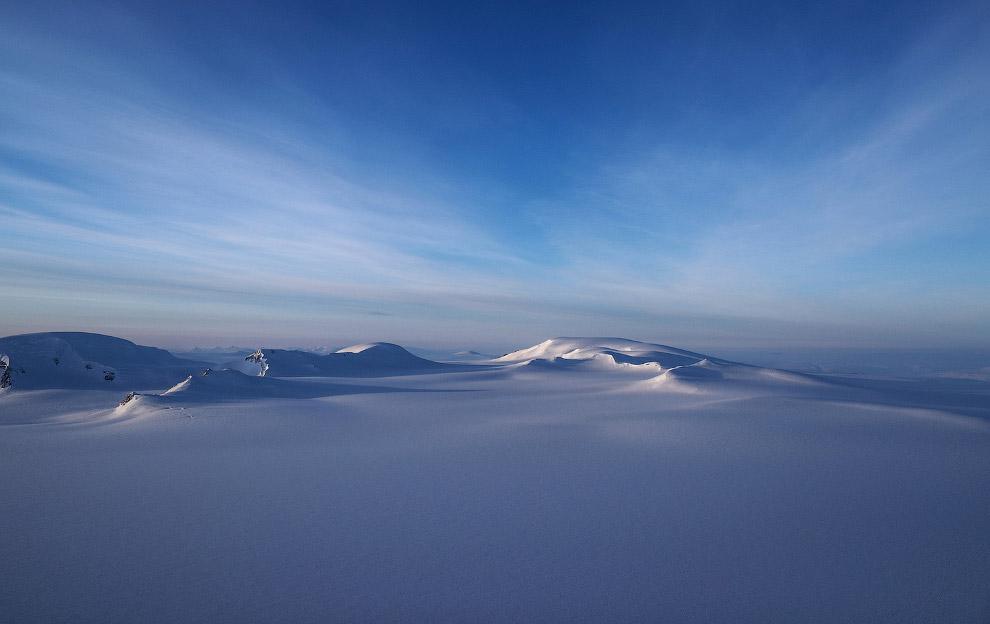Летим над самым северным канадским островом Э́лсмир