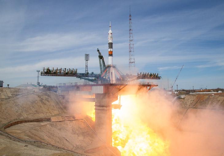 Старт российского космического корабля «Союз МС-04»