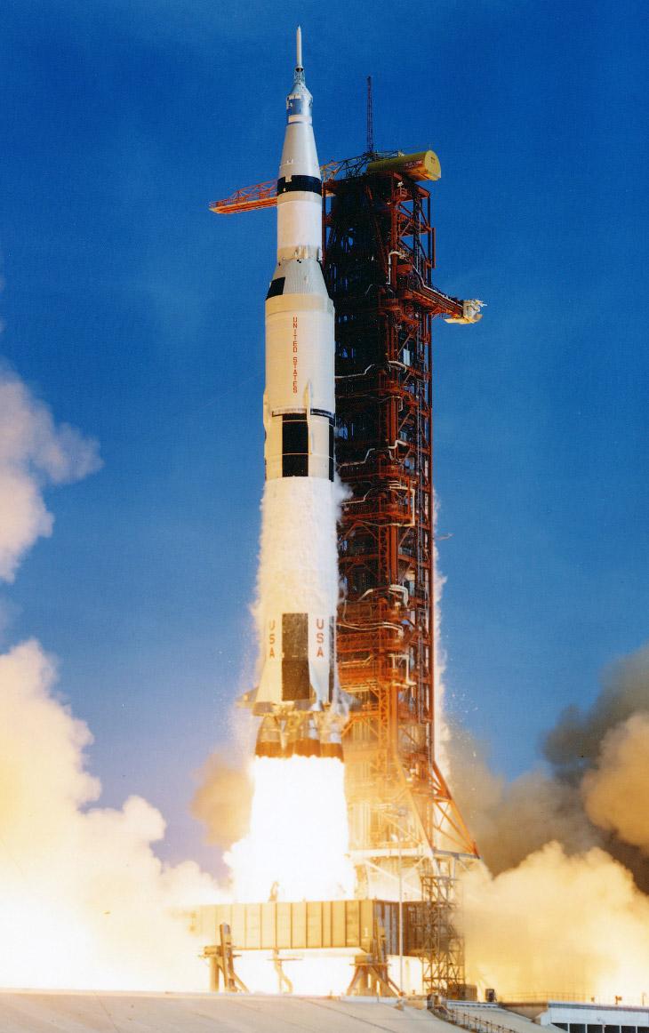 Старт корабля «Аполлон-11» на Луну