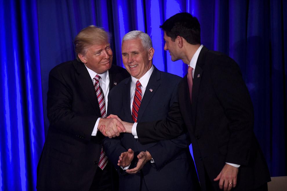 Президент США Дональд Трамп, вице-президент США Майк Пенс и спикер Палаты представителей Пол Райан