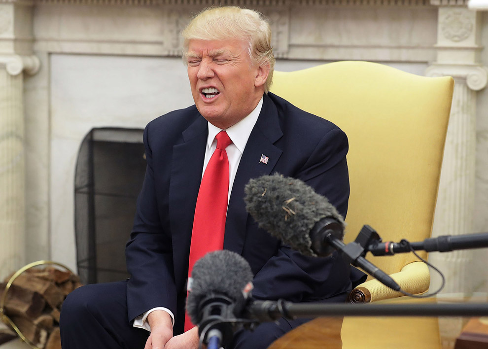 Общение с журналистами в Овальном кабинете Белого дома
