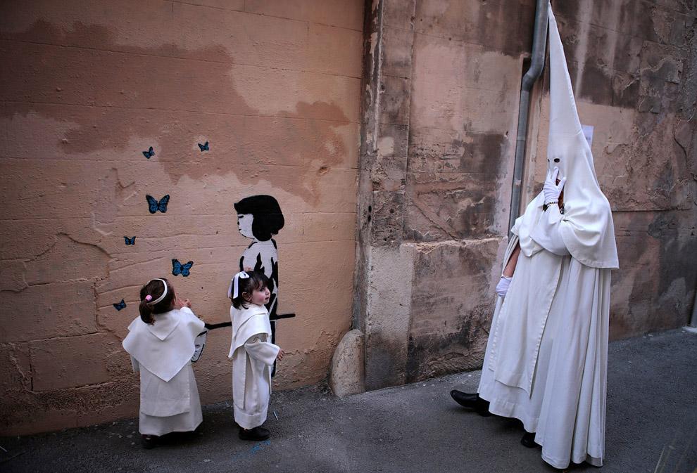 Таинственные колпаки: Страстная неделя в Испании