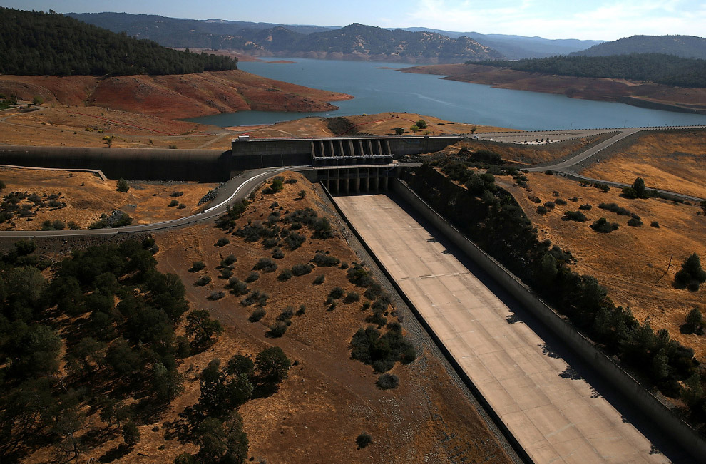 Водосброс во время засухи