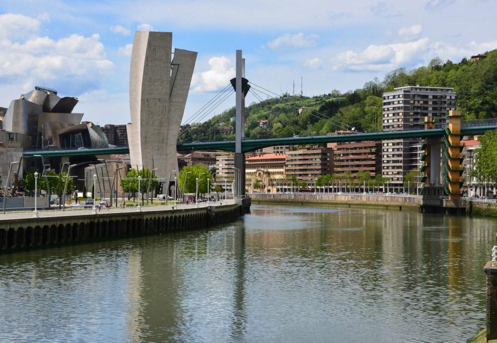 Самый высокий мост в городе — Puente de La Salve