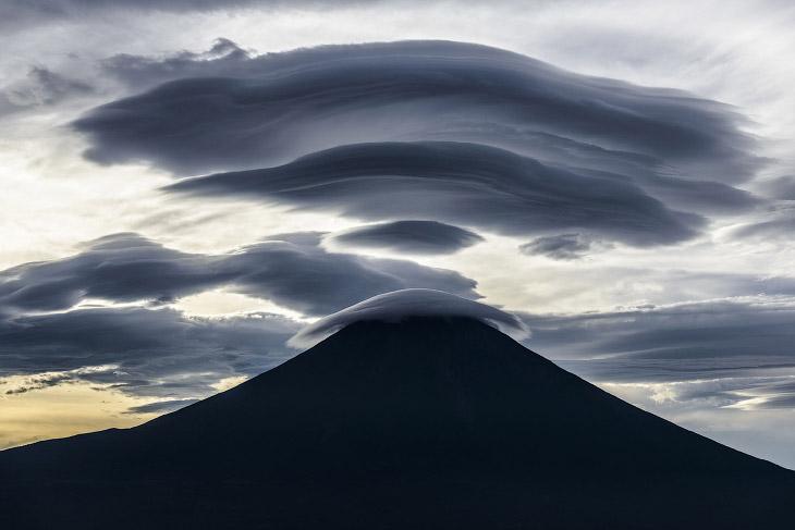 Мощь облаков над горой Фудзи
