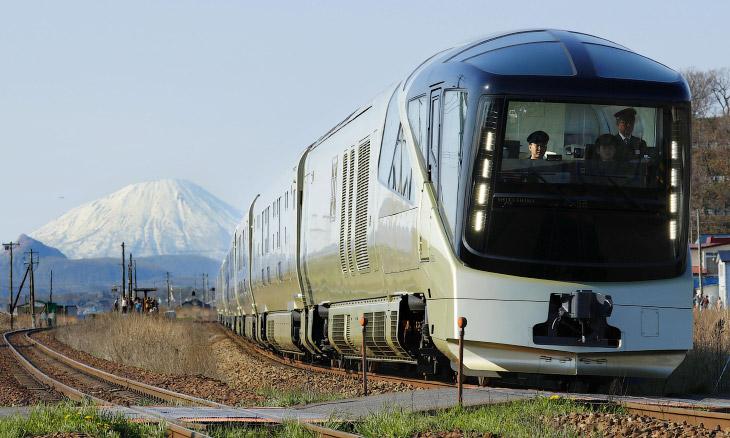 Фактов о новом роскошном поезде Японии