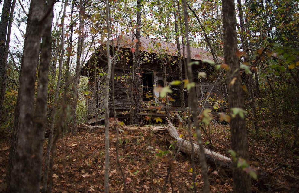заброшенный дом фермера в США, он занимался хлопком