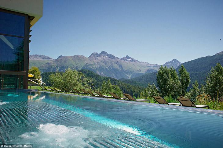 Начнем с отеля Kulm в живописном городе Сент-Мориц, Швейцария