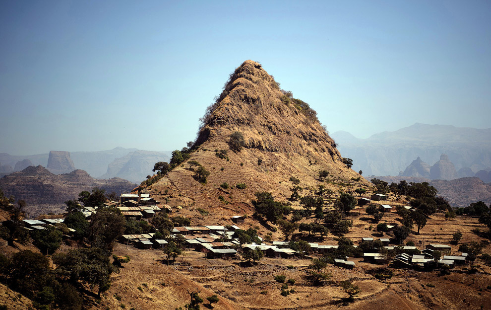Красива і різнобарвна Ефіопія