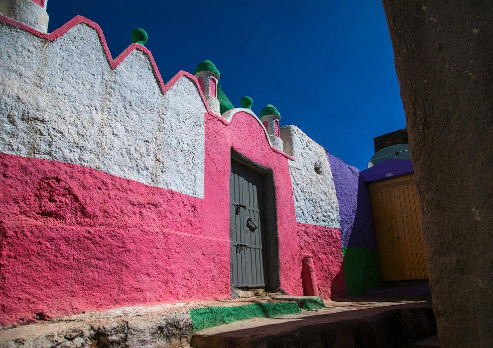 Різнобарвна мечеть в Хараре, Ефіопія