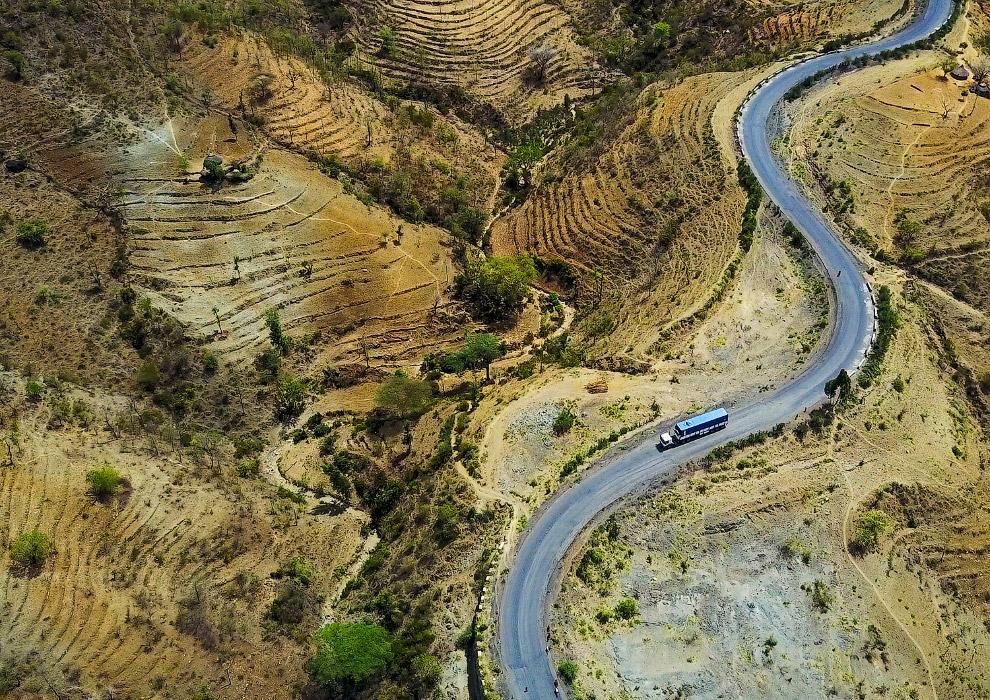 Вид згори на долину Омо