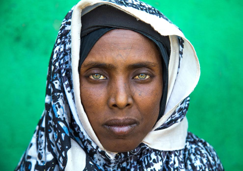 В Ефіопії зберігається традиція нанесення татуювання на обличчя