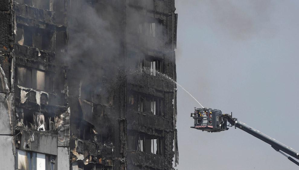 Пожар в небоскребе Лондона