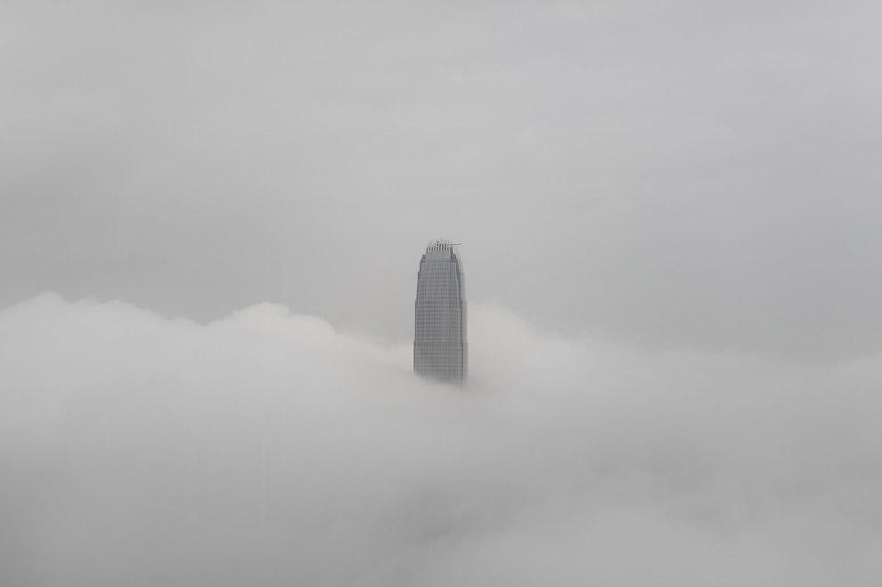 Международный финансовый центр в тумане