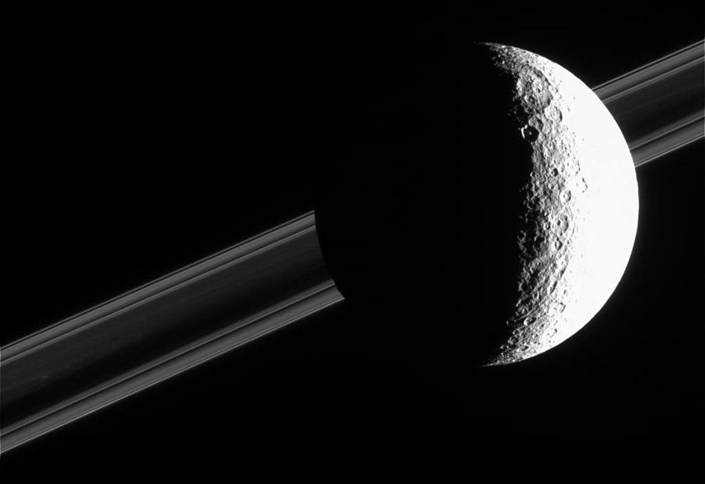 Рея — второй по величине спутник Сатурна