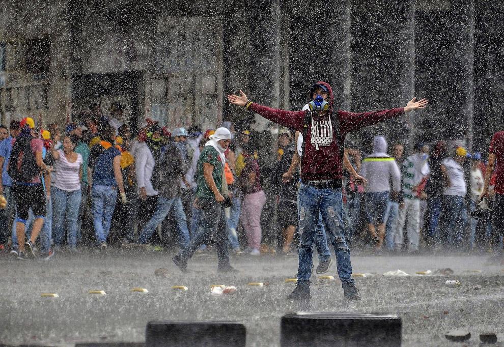 Тем временем в Венесуэле